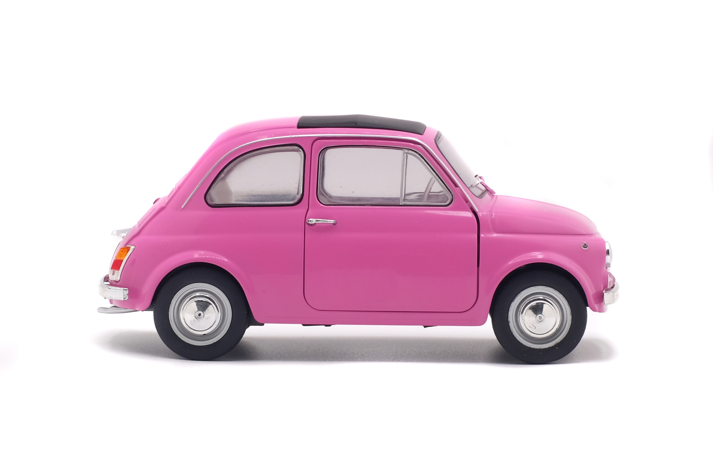 Fiat 500 Pink 1965 Solido