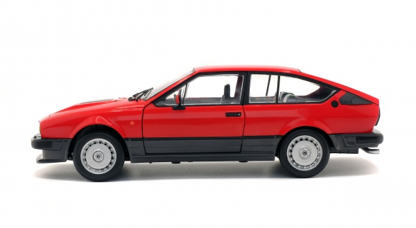 ALFA ROMEO GTV6 - RED - 1984