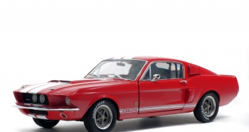 SHELBY MUSTANG GT500 - CANDY APPLE RED / WHITE STRIPES -1967