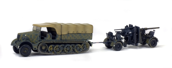FAMO - SD.KFZ. 9 AVEC FLAK 36/37 88MM - GERMANY - 1945