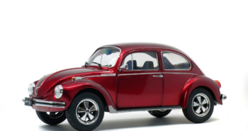 VOLKSWAGEN - BEETLE 1303 - CUSTOM METALLIC RED - 1974